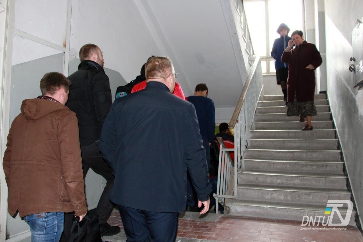 В Покровском ДонНТУ и Индустриальном институте прошла учебная эвакуация, фото-2