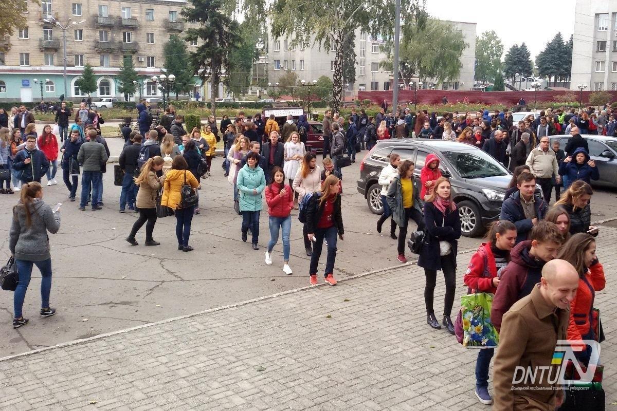 В Покровском ДонНТУ и Индустриальном институте прошла учебная эвакуация, фото-3