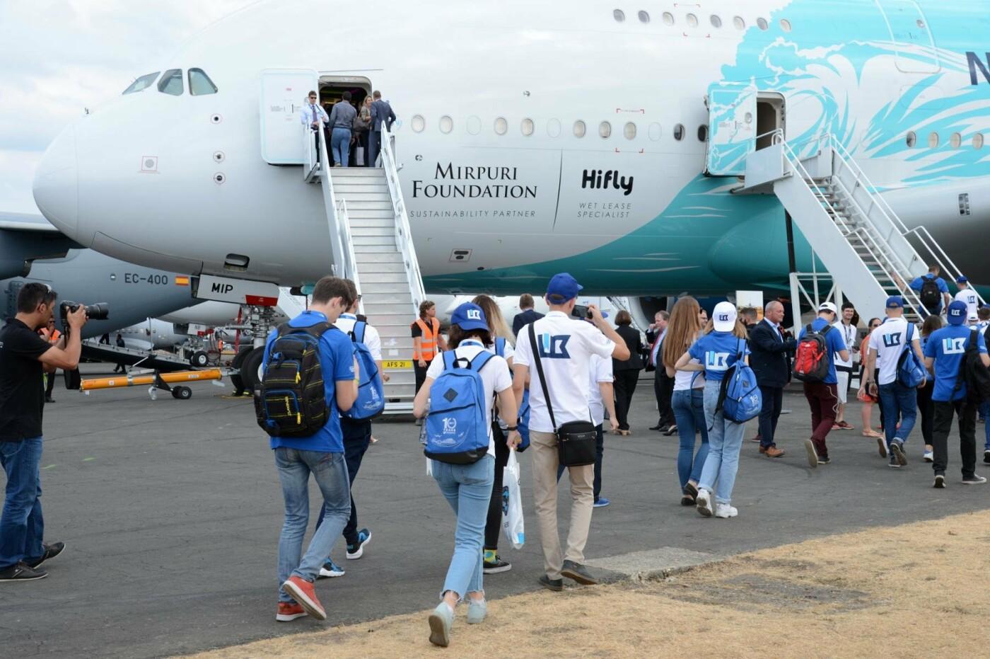 Борис Колесников отправил студентов из Покровска на авиафорум в Лондон, фото-3