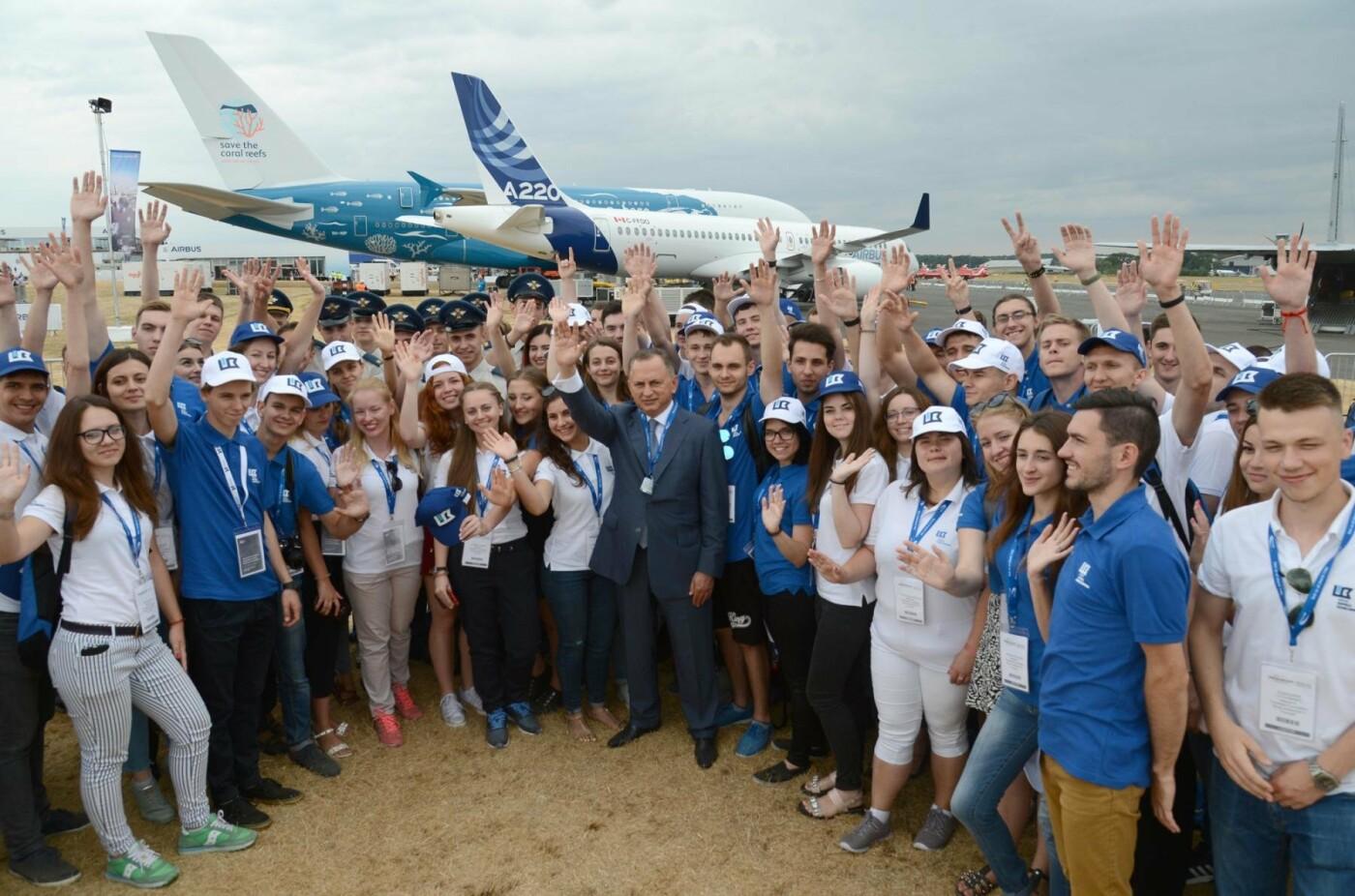 Борис Колесников отправил студентов из Покровска на авиафорум в Лондон, фото-2