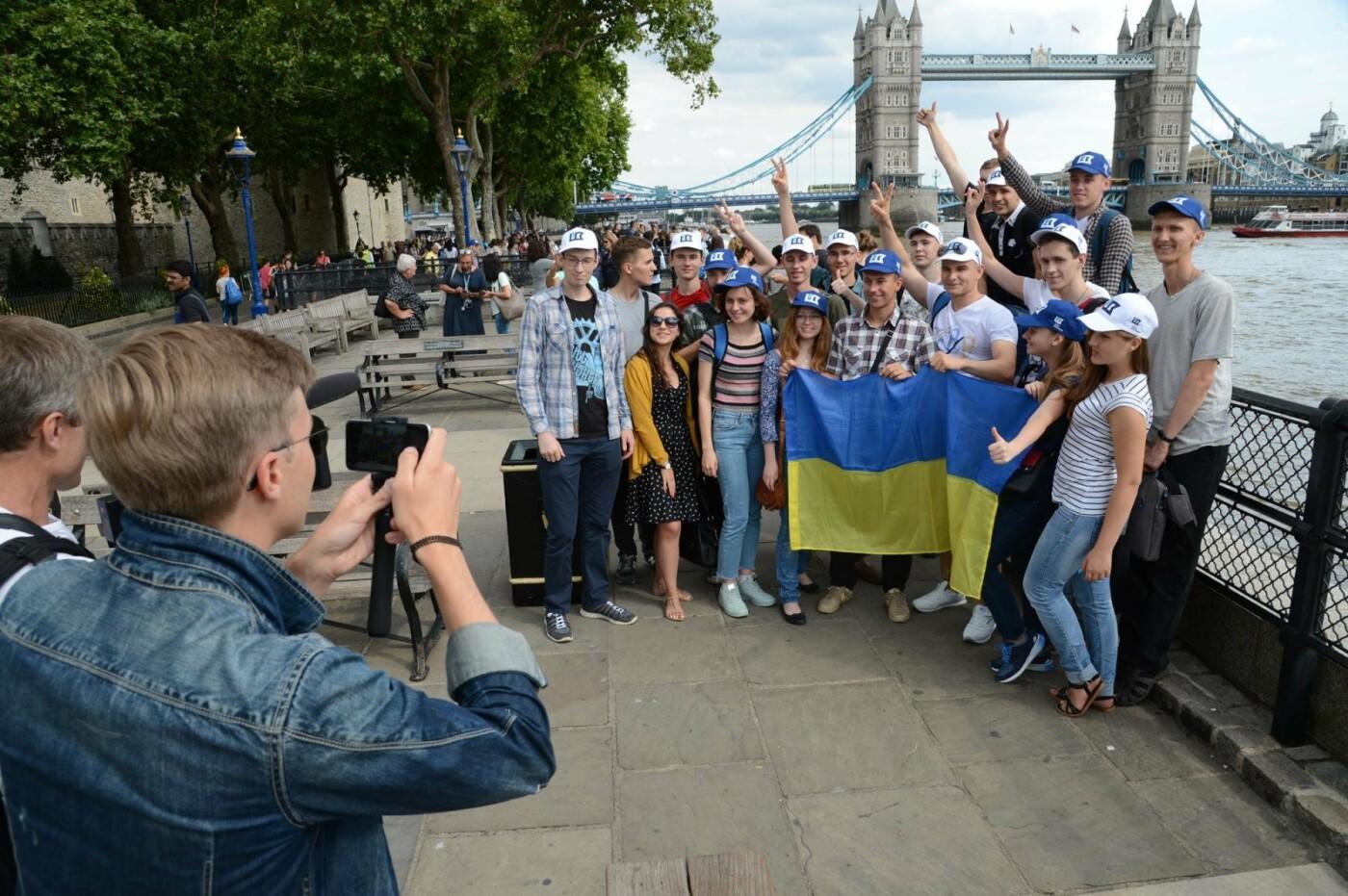 Борис Колесников отправил студентов из Покровска на авиафорум в Лондон, фото-5
