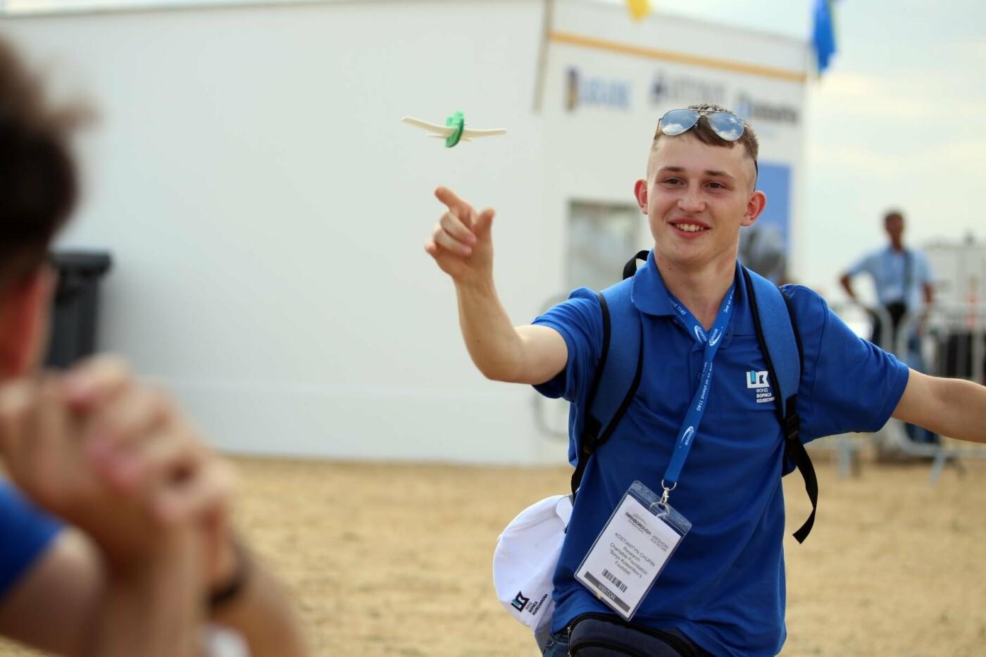 Борис Колесников отправил студентов из Покровска на авиафорум в Лондон, фото-4