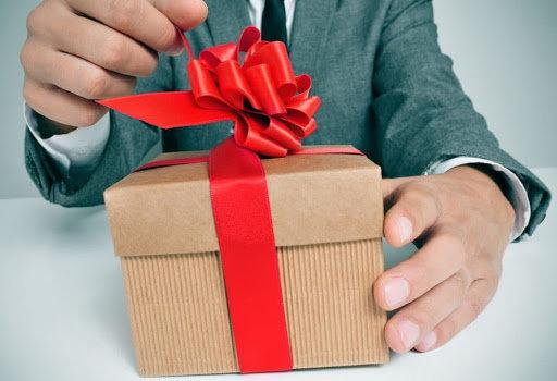 Как выбрать подарок мужчине, фото-1