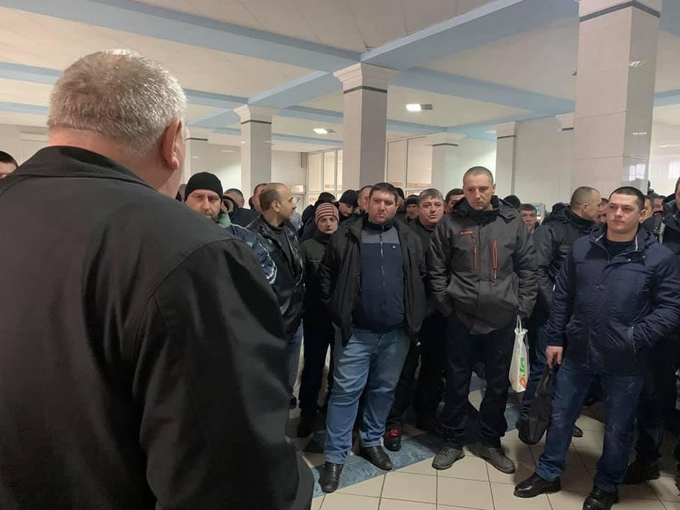 """На Родинской ввели в простой """"Краснолиманскую"""" шахту: горняки протестуют, фото-2"""