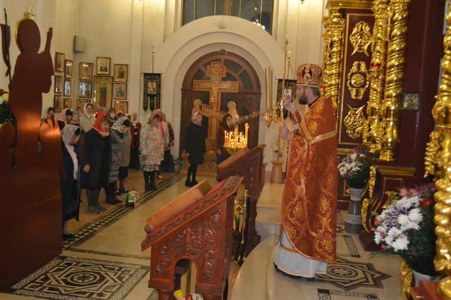 В светлый праздник Пасхи в храмах Покровска прошли праздничные богослужения, фото-6