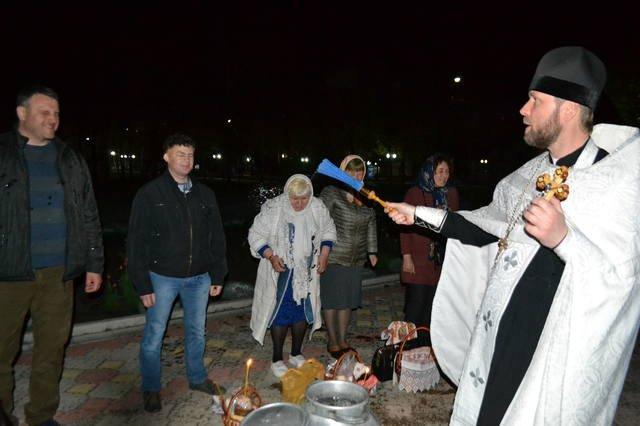 В светлый праздник Пасхи в храмах Покровска прошли праздничные богослужения, фото-5
